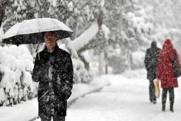 Ankara'da kar yağışı herkesi şaşırttı