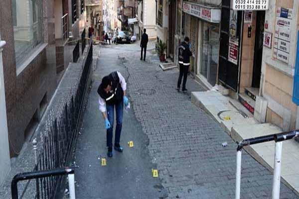 Beyoğlu'nda silahlı tartışma