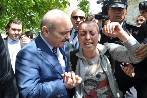 Sözleriyle Türkiye'yi duygulandıran Dilek Özçelik hayatını kaybetti
