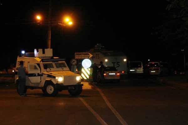 Diyarbakır'da IŞİD protestosuna polis müdahalesi