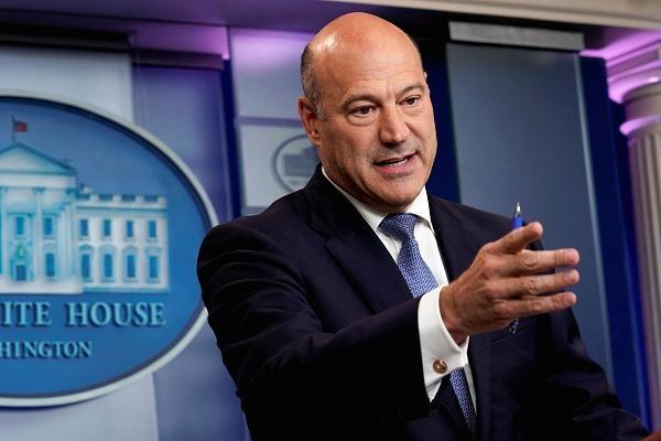 Beyaz Saray'da şok eden istifa