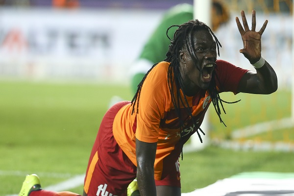 Galatasaray'da Gomis şoku yaşanıyor