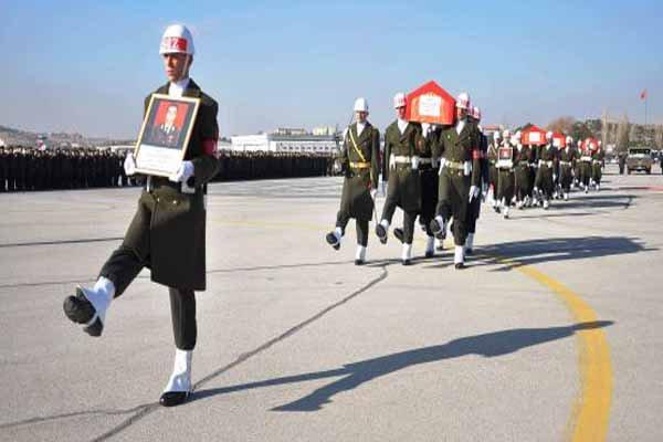 Türkiye şehit düşen askerlerini uğurluyor