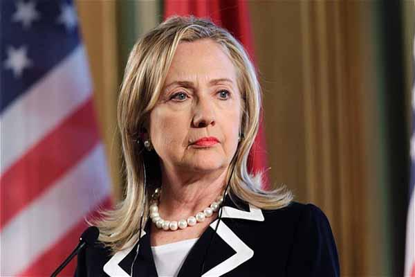 FBI, Clinton'un e-postalarını inceledi