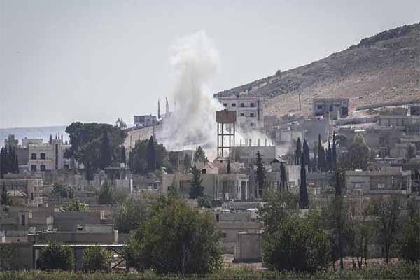 IŞİD Kobani'yi güneyden zorluyor
