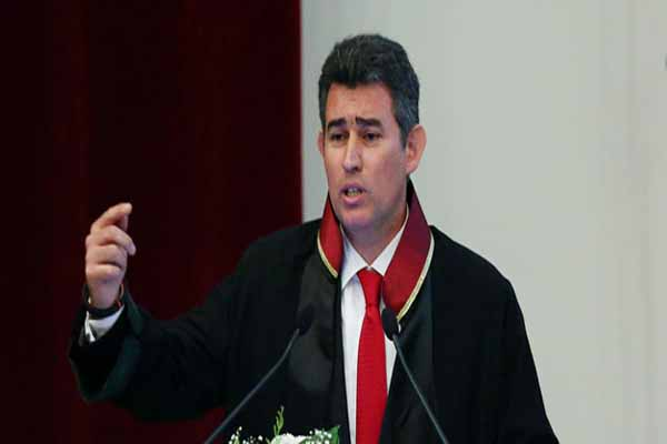 Metin Feyzioğlu Halk TV'de canlı yayını terk etti