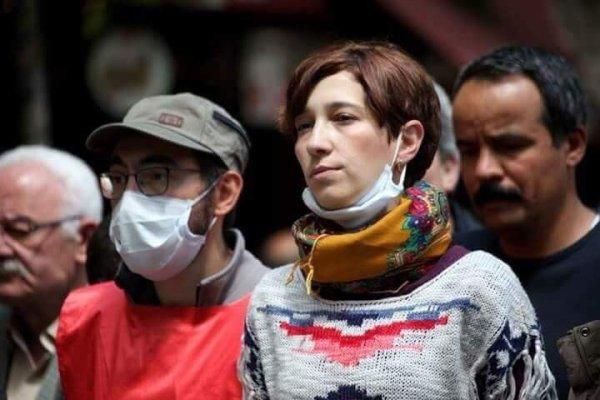 Grevdeki eğitimciler Nuriye Gülmen ve Semih Özakça yeniden gözaltında