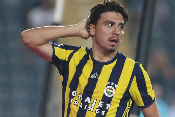 Ozan Tufan Fenerbahçe'li yönetime o isteğini iletti