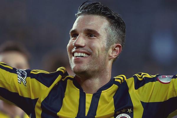 Robin van Persie Fenerbahçe'de kriz yarattı