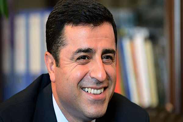 HDP Eş Genel Başkanı Selahattin Demirtaş gazoz açılışı yaptı