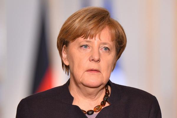Angela Merkel Terörizm bize meydan okuyor dedi
