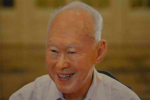 Singapur'un kurucusu Lee Kuan Yew yaşamını yitirdi