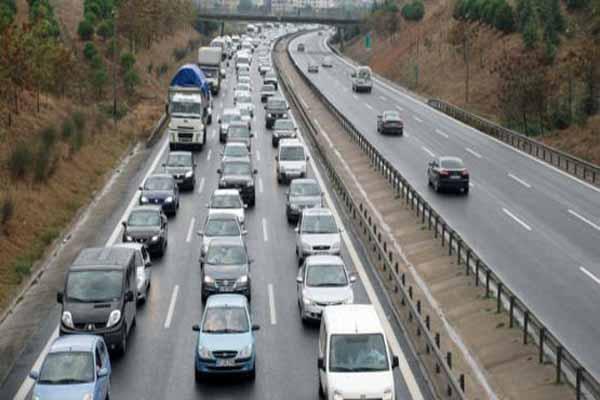 TEM otoyolu trafiğe kapanıyor