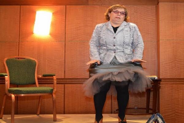 BTKD'nin konuğu olan Ayşe Erbulak'dan Londra'da kahkaha tufanı
