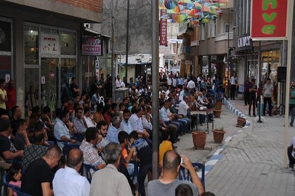Hakkari'de 'Hakkari il kalsın nöbeti' başlatıldı
