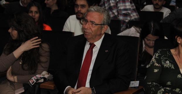 Cem Yilmaz Ankaralıları Kahkahaya Boğdu