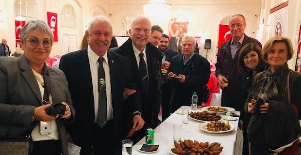İngiltere ADD Onur Kurulu Başkanı Turan Erdemgil vefat etti