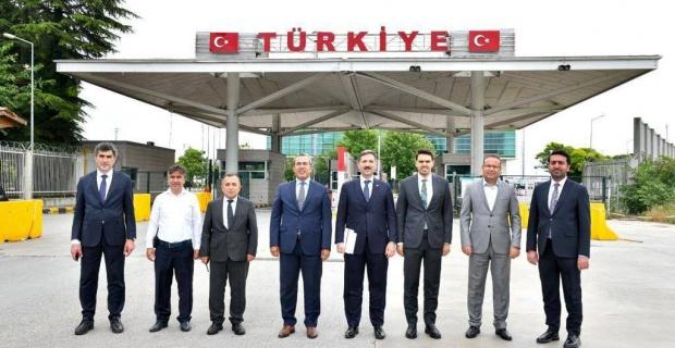Bu yıl da Memleket Yolu'na çıkan vatandaşlarımızın yanında olacağız, YTB Başkanı Abdullah Eren'den açıklama