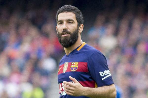 'Arda Turan ara transfer döneminde Barcelona'dan ayrılıyor'
