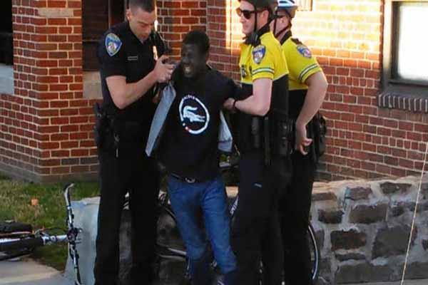 ABD'de öldürülen siyahi genç Freddie Gray'in cinayetinden 6 polis yargılanacak