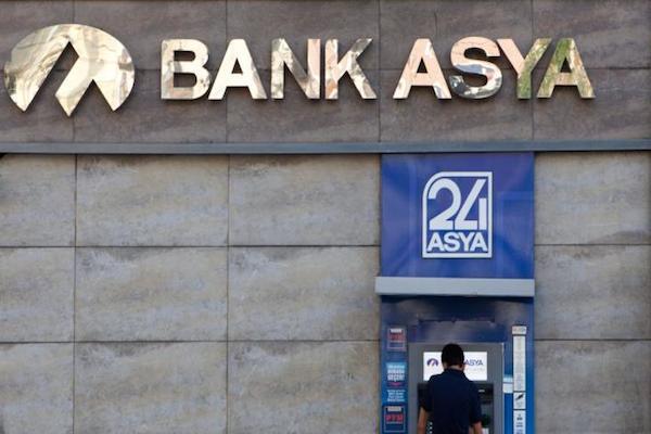 Gözaltına alınan iş adamları Bank Asya'ya milyonlar yatırmış