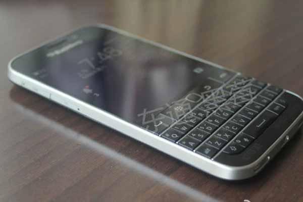 BlackBerry Classic teknik özellikleri ve fiyatı