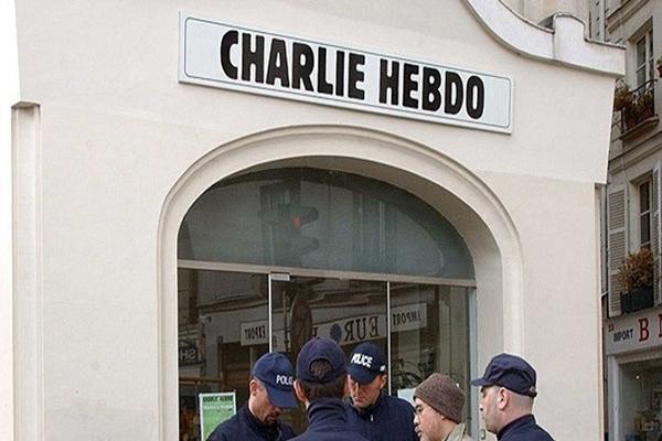 Charlie Hebdo'da anlaşmazlık