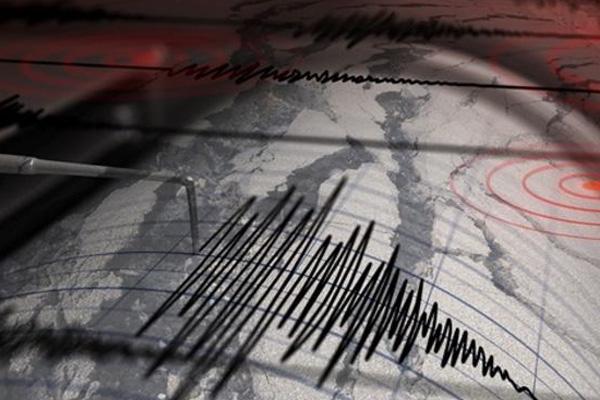 Bodrum'da peş peşe korkutan depremler