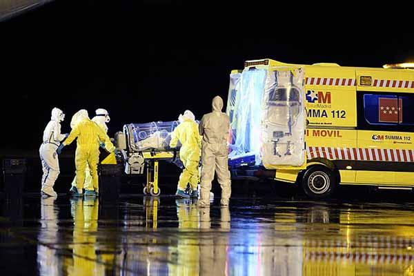 """Avrupa'da ilk """"Ebola"""" bulaşma vakası"""