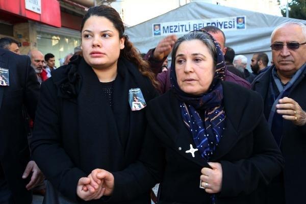 Ali İsmail'in annesi Emel Korkmaz'ın gözyaşı dinmiyor