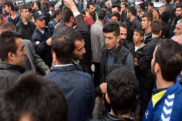 Erzurum'da HDP otobüsüne saldırdılar