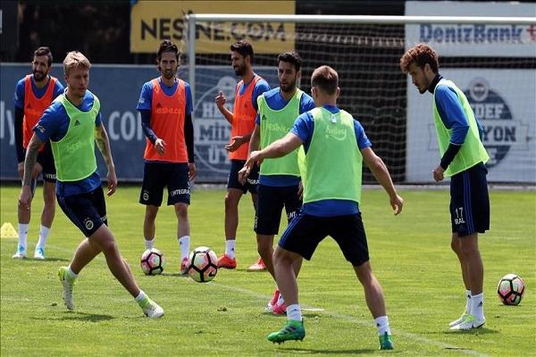 Fenerbahçe'de yeni sezon öncesi yoğun mesai başlıyor