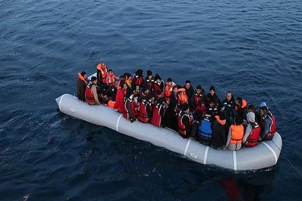 İtalya açıklarında 120 göçmen ölümden döndü