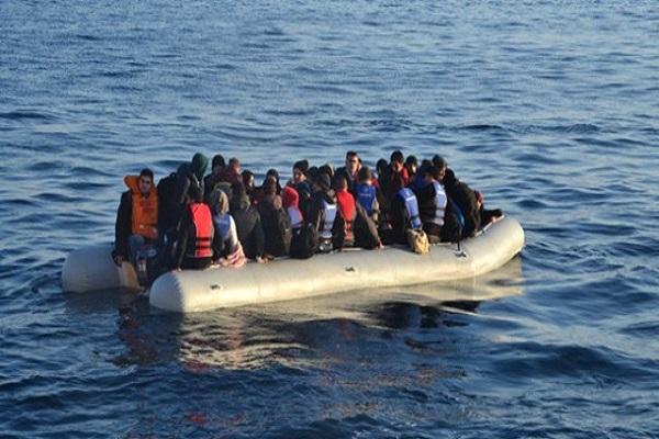 Akdeniz'de iki göçmen teknesi battı yüzlerce kişi kayıp