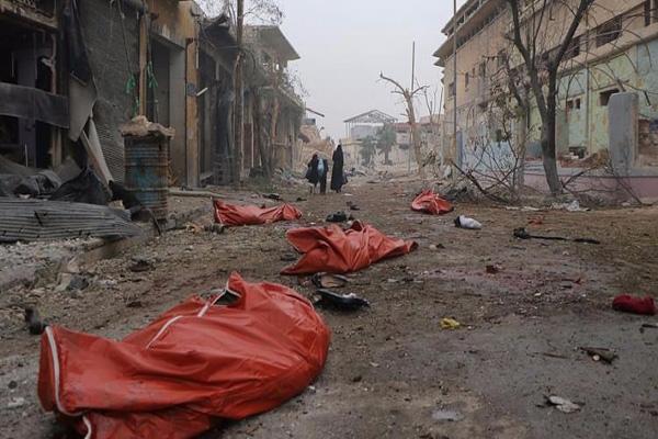 Halep'in sivil halkını hem karadan hem de havadan bombaladılar