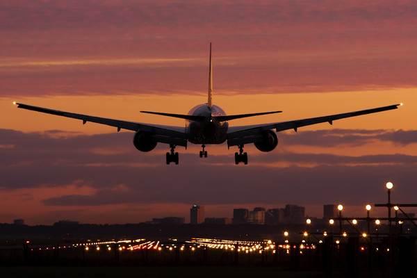 Grev nedeniyle 659 uçuş iptal edildi