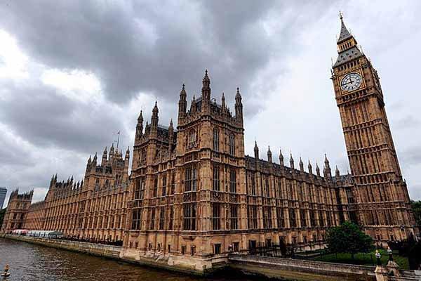 İngiliz Parlamentosu IŞİD kararını aldı