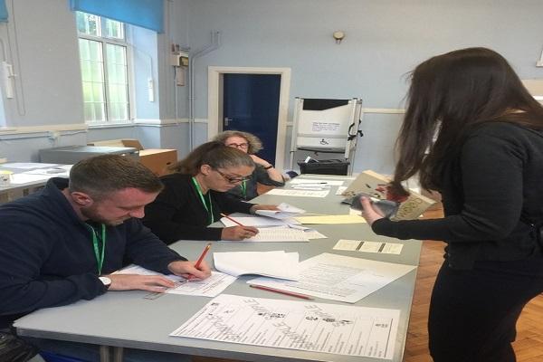 İngiltere'de seçim sonuçları açıklandı mı işte ilk sonuçlar