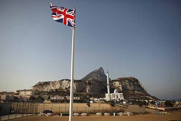 İngiltere'den Peşmerge'ye IŞİD desteği