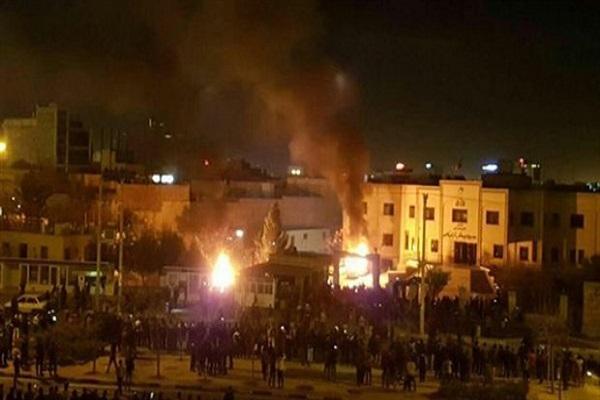 İran'daki protesto gösterilerinde ölü sayısı 10 oldu