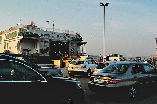 İstanbul'a dönüş yolunda yoğunluk