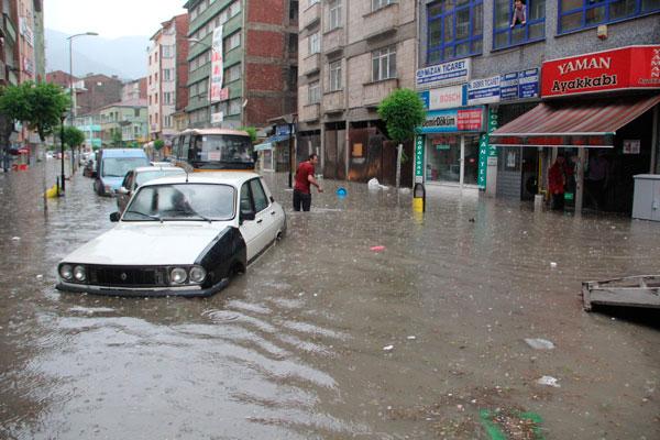 İstanbul'u vuran selde mağdur vatandaşların masrafları karşılanacak mı