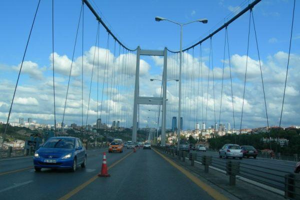 İstanbul'da bugün iki köprüde de kaza meydana geldi