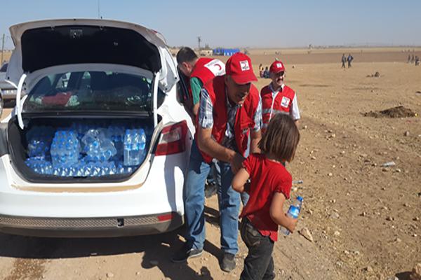 Kızılay'dan Kobanili çocuklara yardım