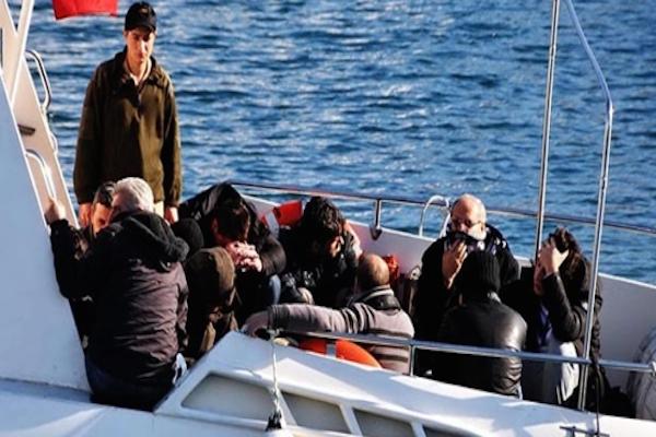 Ege Denizi'nde 72 kaçak kurtarıldı