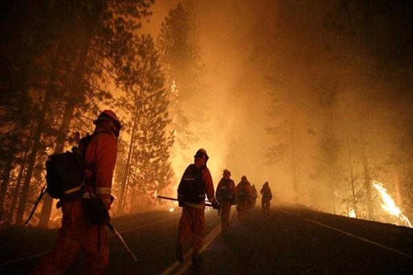 Kaliforniya'daki yangın her geçen saat büyüyor ölü sayısı açıklandı