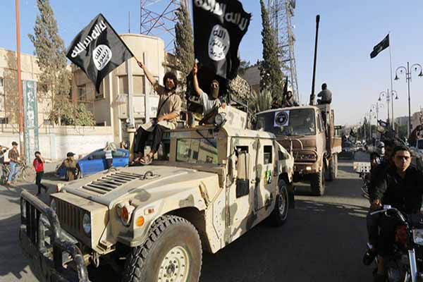 IŞİD Kobani'nin merkezine ilerliyor