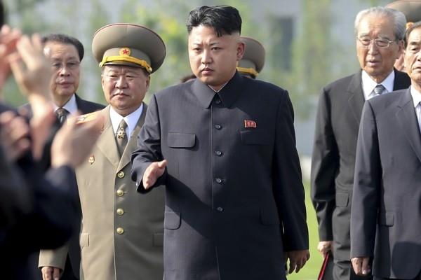 Kim Jong-un Guam'a yönelik saldırı hakkında bilgi aldı