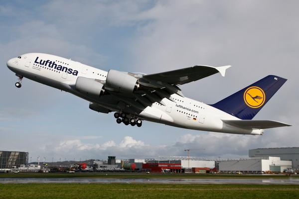 Lufthansa pilotları grev süresini uzattı
