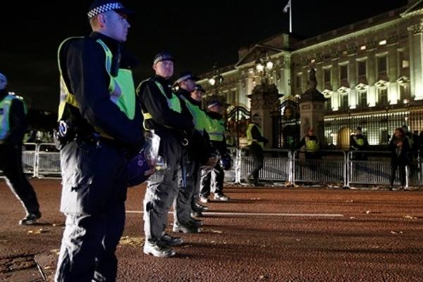 Manchester'daki patlamanın ardından gözaltına alınanların sayısı artıyor